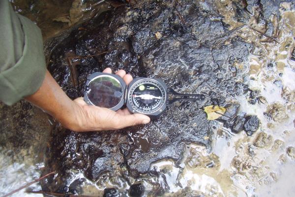 Geological Equipment_Compass